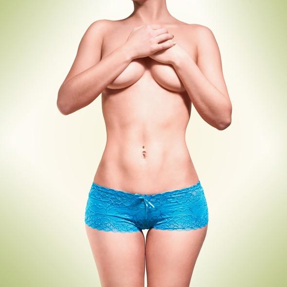 Как сохранить красоту женской груди?