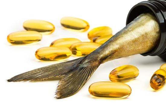Что лучше: рыбий жир или льняное масло?