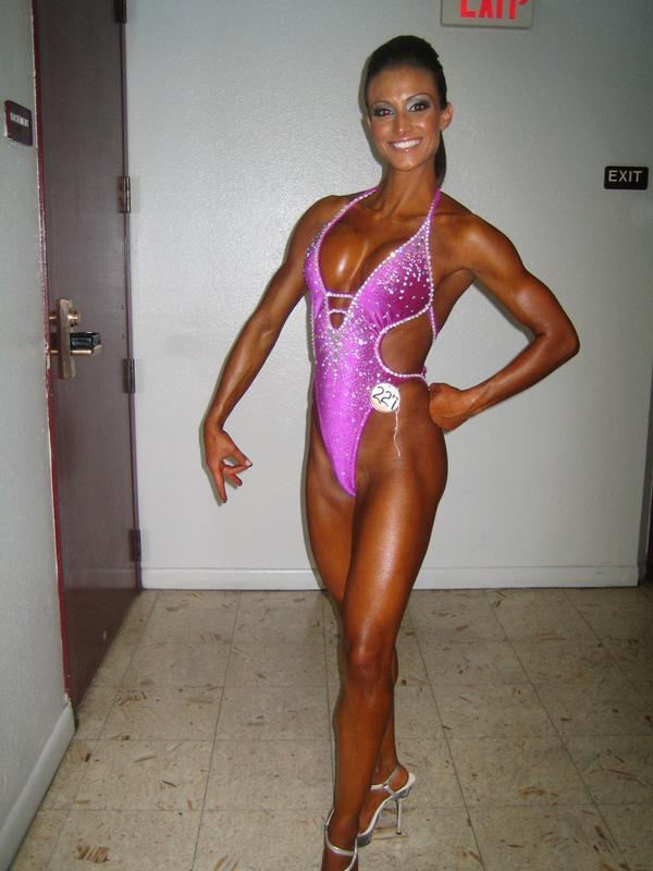 девушки в тренажерном фото голые при всех