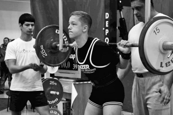 """Сергей Бухарин: """"Если при мне сильный обижает слабого, это я ни когда не потерплю."""""""