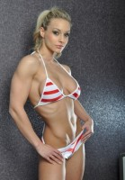 Noemi Olah фитнес бикини