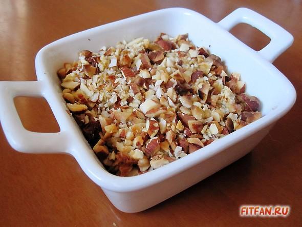 Яблочная запеканка с мюсли и орехами