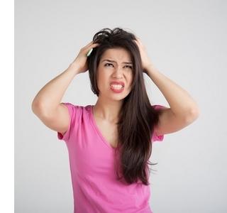 Болит кожа головы: почему?