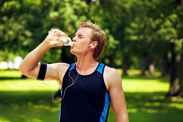 Ополаскивание рта сладким напитком для улучшения выносливости