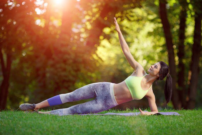 Круговая тренировка с собственным весом для девушек